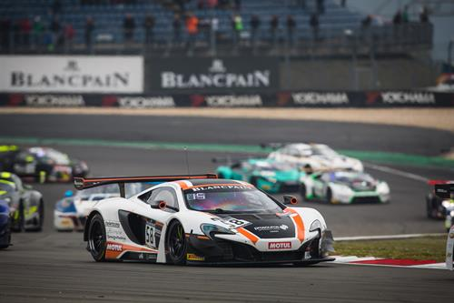 news porsche takes second place leads both world championship standings